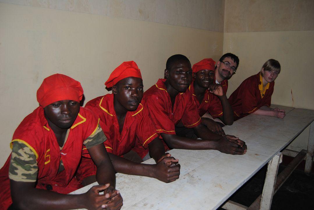 Afrikaner oder Deutsche - wer backt die leckersten Brötchen? Zwei Bäckerei-Chefs aus Uganda und Sachsen schicken ihre Mitarbeiter in das spannends... - Bildquelle: kabel eins
