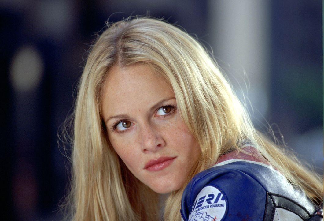 Die hübsche Mechanikerin Shane (Monet Mazur) ist eine selbstbewusste Frau, die sich nichts gefallen lässt. Nicht einmal von einem umwerfenden Kerl... - Bildquelle: Warner Bros. Pictures