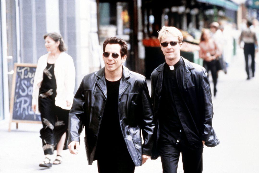 Die zwei coolen Gottesvertreter, Priester Brian (Edward Norton, r.) und Rabbi Jake (Ben Stiller, l.), sind schon seit frühester Kindheit eng befreu... - Bildquelle: SPYGLASS ENTERTAINMENT GROUP, LP