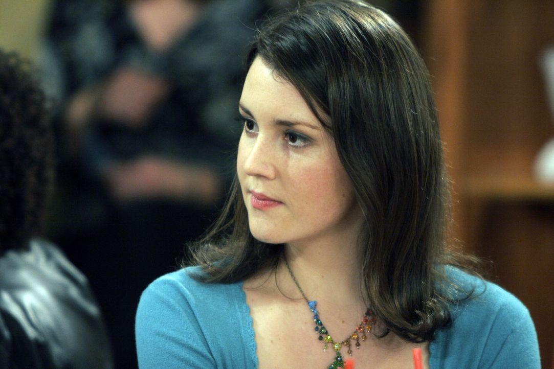 Charlies Warnungen, dass Rose eine Meise habe, stoßen bei Alan auf taube Ohren. Und so begibt er sich mit Rose (Melanie Lynskey) in ein Verwirrspie... - Bildquelle: Warner Brothers Entertainment Inc.