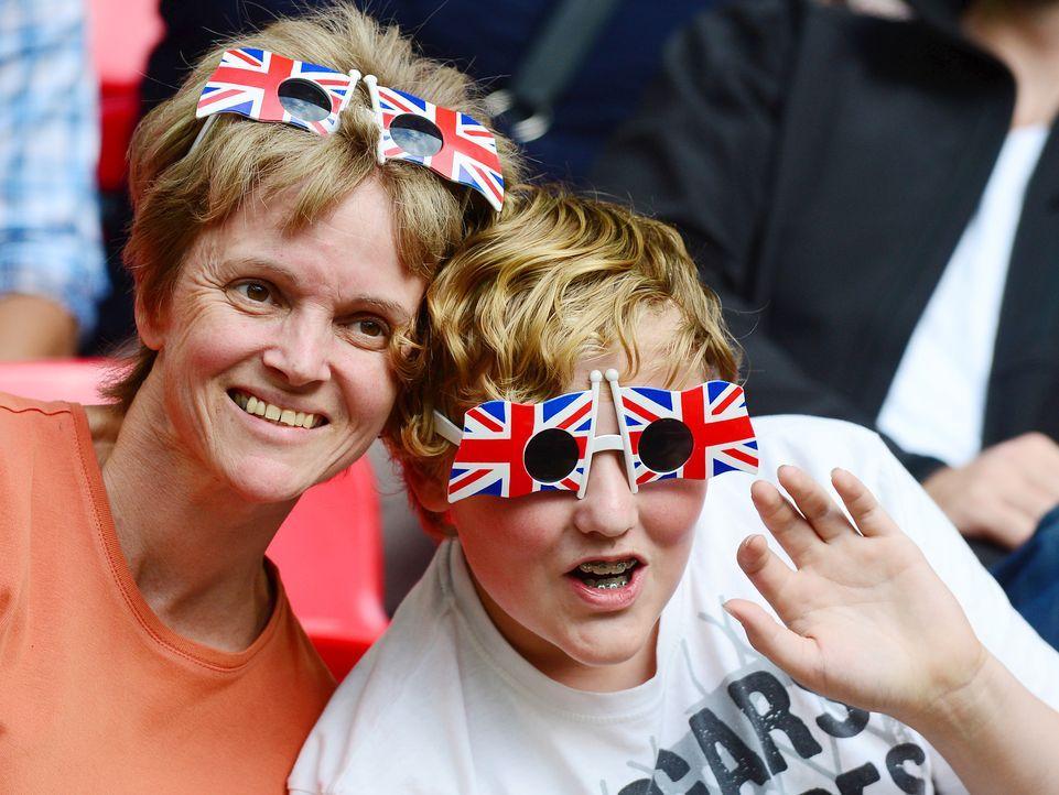 Englische Fußballfans - Bildquelle: AFP