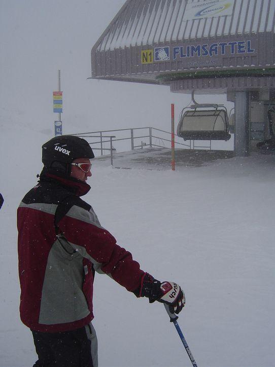 Zöllner Johann bei der Arbeit auf Ischgls Skipisten ... - Bildquelle: kabel eins