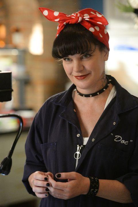 Kann Abby (Pauley Perrette) Hinweise auf den Täter des aktuellen Falles finden? - Bildquelle: Darren Michaels CBS Television
