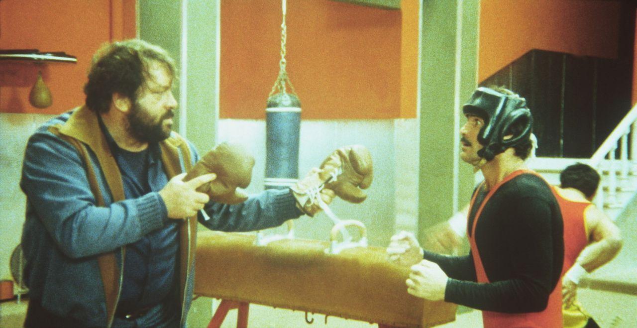 """Kid und Ben (Bud Spencer, l.) verlangen auf ihre """"unwiderstehliche"""" Art natürlich Schadenersatz für den zerstörten Buggy ... - Bildquelle: Columbia Pictures"""