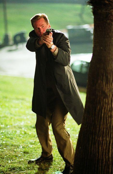 Privatdetektiv Perry van Shrike (Val Kilmer) fackelt nicht lange, wenn er angegriffen wird ... - Bildquelle: 2015 © Warner Brothers