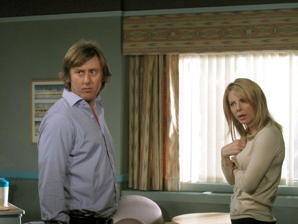 Hatte Samantha Emory (Anastasia Griffith, r.) wirklich vor, ihren Mann umzubringen? Joe (Jake Weber, l.) weiß nicht mehr, was er wirklich glauben so... - Bildquelle: Paramount Network Television