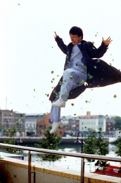 Ihn wirft so leicht nichts aus der Bahn: Detective Eddie Yang (Jackie Chan) ... - Bildquelle: 2004 Sony Pictures Television International. All Rights Reserved.