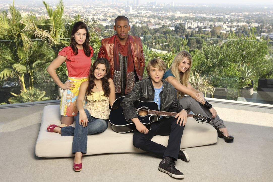 Geraten in große Gefühlsturbulenzen: (v.l.n.r.) Sara (Maggie Castle), Jessica (Danielle Campbell), Stubby (Brandon Smith), Christopher Wilde (Ster... - Bildquelle: Disney