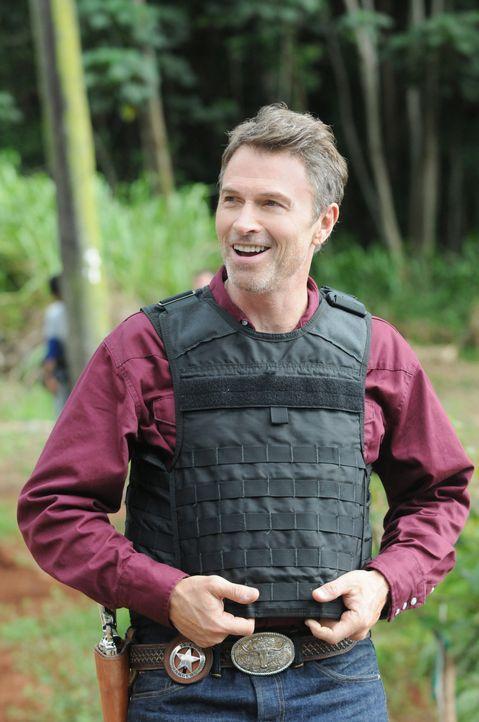 Als das Team einen neuen Mordfall untersucht, führt die Spur zu einem Texas Ranger (Tim Daly), der nach Hawaii kam, um dort nach seiner Tochter zu s... - Bildquelle: 2013 CBS BROADCASTING INC. All Rights Reserved.