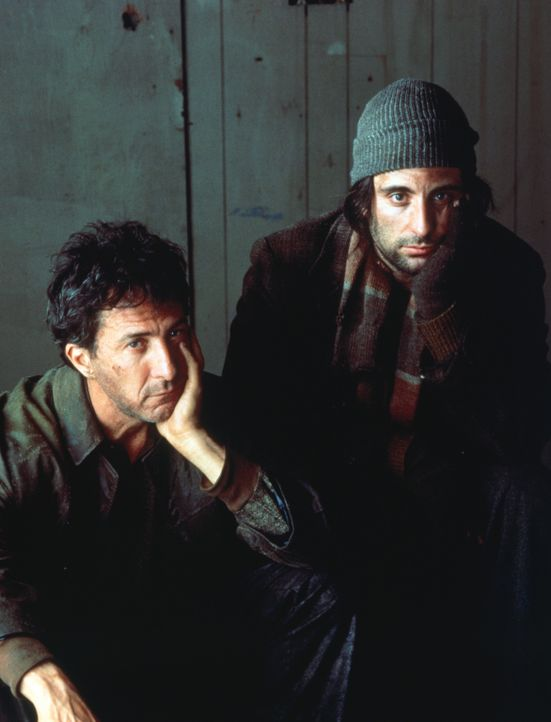 Bernie Laplante (Dustin Hoffman, l.) schüttet bei dem Penner John Bubber (Andy Garcia, r.) sein Herz aus - ein fataler Fehler, wie sich bald heraus... - Bildquelle: 1992 Columbia Pictures Industries, Inc. All Rights Reserved.