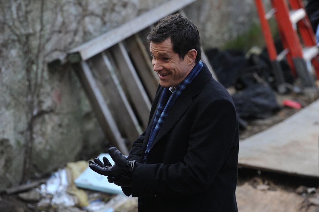 Bei den Ermittlungen: Detective Al Burns (Dylan Walsh) ... - Bildquelle: 2011 CBS Broadcasting Inc. All Rights Reserved.