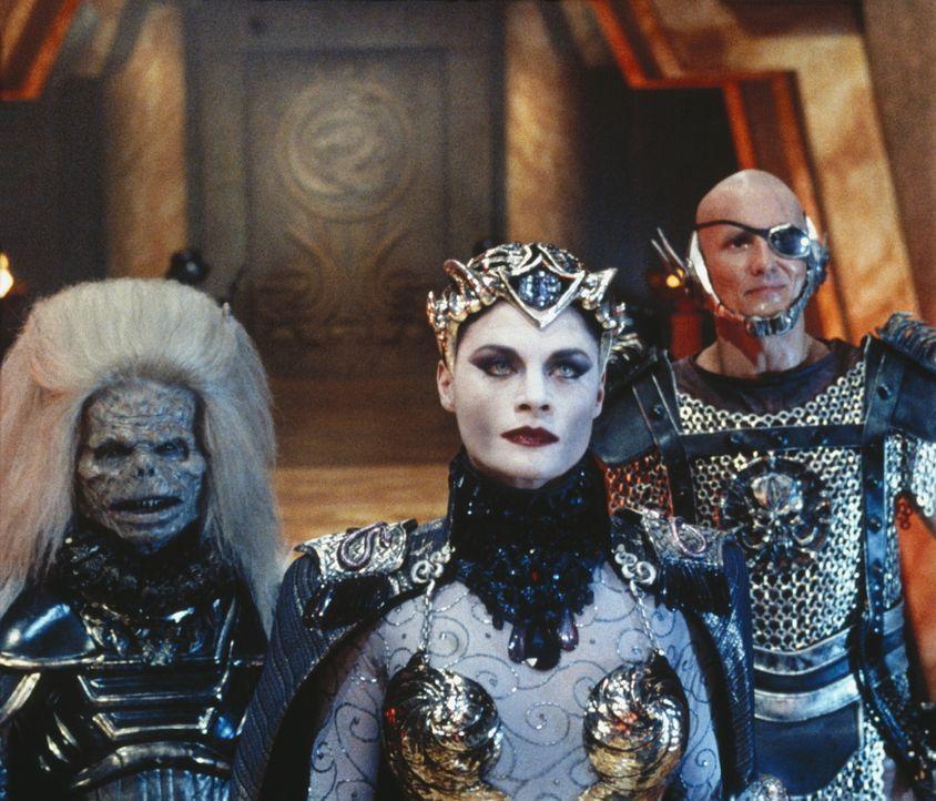 Als Skeletor herausfindet, dass der zweite kosmische Schlüssel sich auf der Erde befindet, schickt er sofort seine Schergen, die böse Evil-Lin (Me... - Bildquelle: CANNON FILMS INC. AND CANNON INTERNATIONAL B. V
