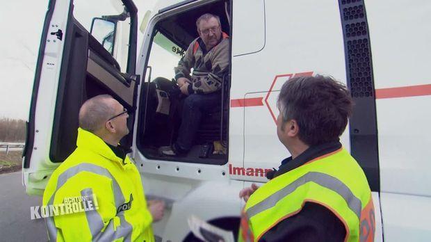 Achtung Kontrolle - Achtung Kontrolle! - Thema U.a.: Löcher In Den Reifen - Lkw Großkontrolle Göttingen