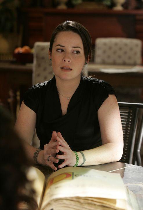 Piper (Holly Marie Combs) ist darüber entsetzt, dass ein Ex-Dämon an der Magie Schule unterrichten soll ... - Bildquelle: Paramount Pictures