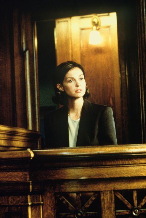 Trotz mangelnden Motivs wird Libby (Ashley Judd) schuldig gesprochen. Da keimt in ihr ein fürchterlicher Verdacht auf ... - Bildquelle: Paramount Pictures