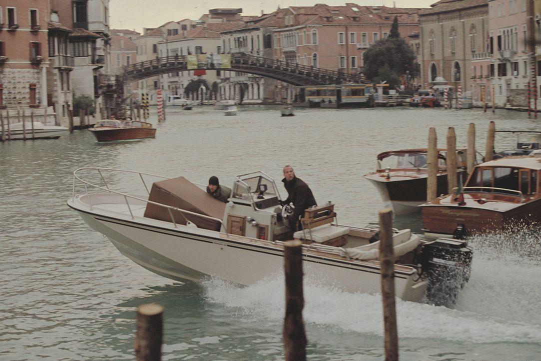 Als eine Gruppe von Profidieben in Venedig mit dem Raub von Goldbarren der große Coup gelingt, scheint sie für den Rest ihres Lebens ausgesorgt zu h... - Bildquelle: TMG