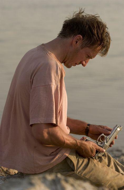 Justin Quayle (Ralph Fiennes) sucht nach dem Mörder seiner toten Frau Tessa. Je tiefer er bohrt, desto näher kommt er dem Skandal, der seiner Frau... - Bildquelle: Epsilon Motion Pictures