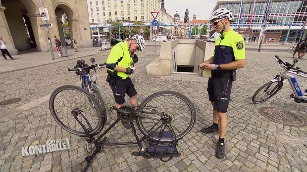 Achtung Kontrolle - Achtung Kontrolle! - Thema U.a: Fahrrad-cops Im Dauereinsatz