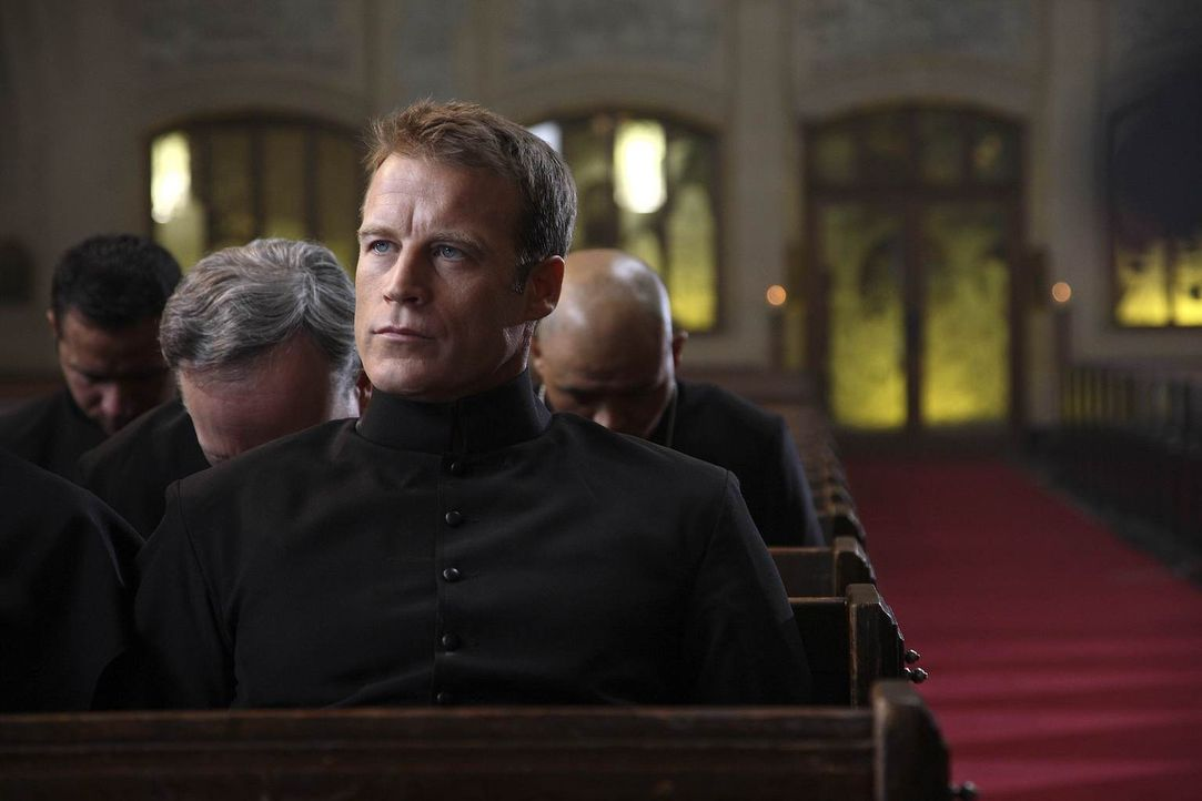 Ein neuer Job wartet im Kloster auf Christopher Chance (Mark Valley) ... - Bildquelle: Warner Brothers