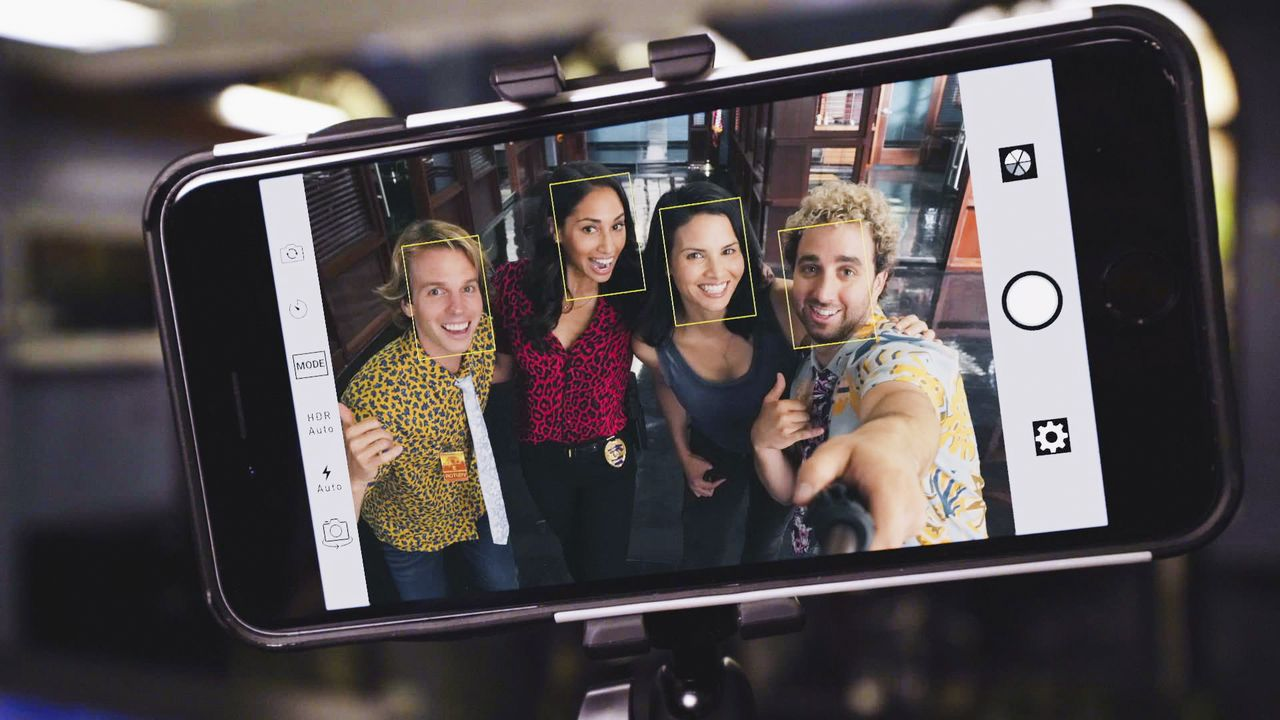 (v.l.n.r.) Scooter (Tom Allen); Tani Rey (Meaghan Rath); Quinn Liu (Katrina Law); Skeez (John Parr) - Bildquelle: 2019 CBS Broadcasting, Inc. All Rights Reserved.