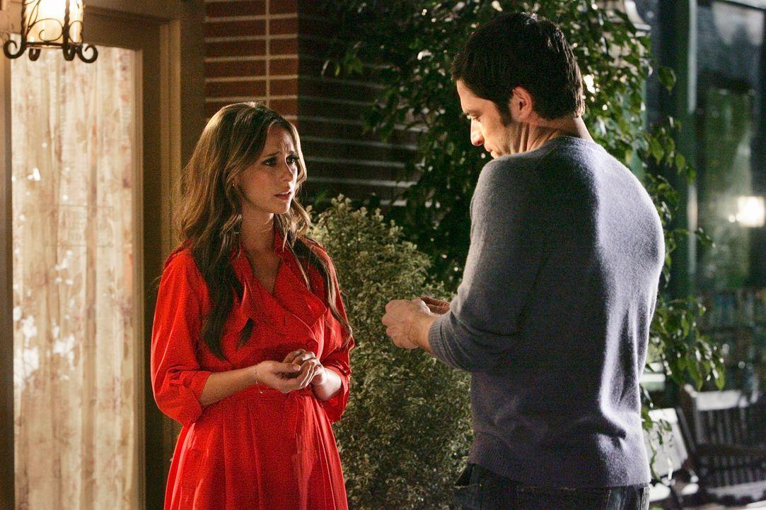 Melinda (Jennifer Love Hewitt, l.) und Jim (David Conrad, r.) sind überglücklich, Melinda ist nämlich schwanger und ein großer Traum scheint endlich... - Bildquelle: ABC Studios