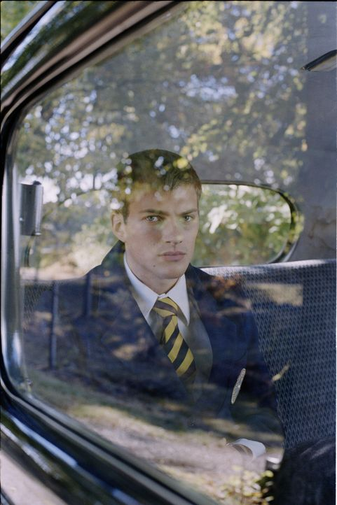 Auf dem Weg in ein neues Leben: Der 16-jährige Erik Ponti (Andreas Wilson) soll an einem privaten Internat seinen Schulabschluss machen. - Bildquelle: MFA Filmdistribution