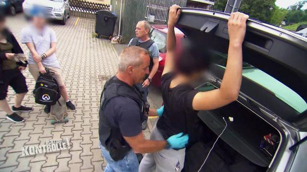 Achtung Kontrolle - Achtung Kontrolle! - Thema U.a.: Bei Illegal Eingeführten Waffen Hört Für Die Bundespolizei Bad Brambach Der Spaß Auf