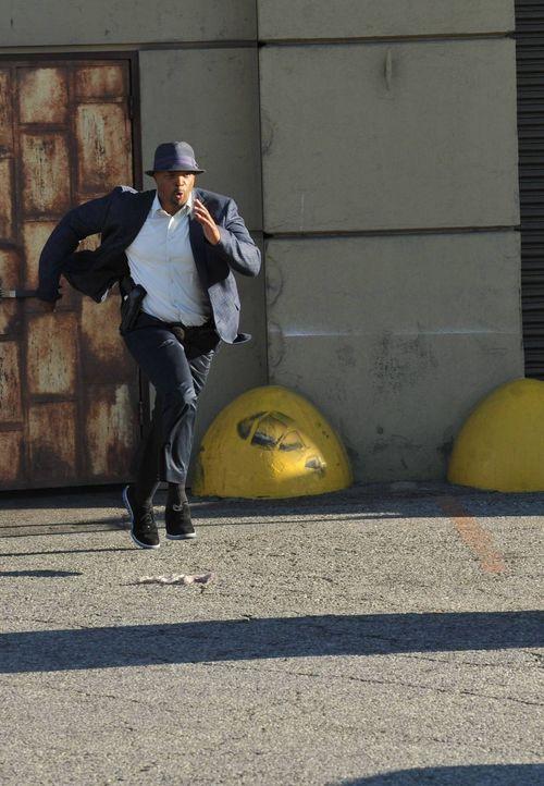 Cop Martin Riggs zieht von Texas nach Los Angeles, um die traumatischen jüngsten Erlebnisse hinter sich zu lassen. An seinem neuen Standort wird er... - Bildquelle: 2016 Warner Brothers