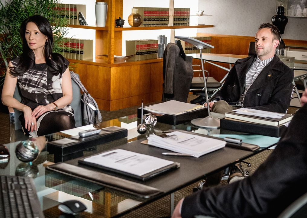 Dr. Watson (Lucy Liu, l.) und Sherlock Holmes (Jonny Lee Miller, r.) müssen in ihrem aktuellen Fall in der Welt des Tanztheaters recherchieren. Dabe... - Bildquelle: CBS Television