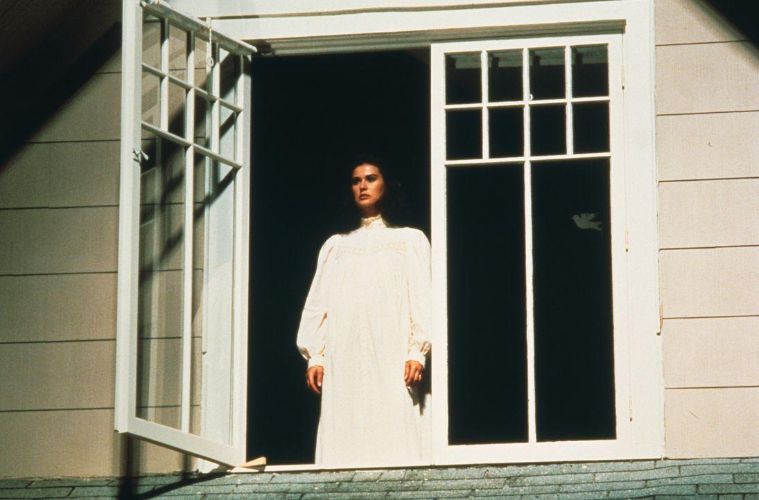 Der geheimnisvolle David hat Abby (Demi Moore) von einem siebten Zeichen erzählt: Eine Frau wird ein totes Kind ohne Seele gebären. Ist Abby diese... - Bildquelle: TriStar Pictures