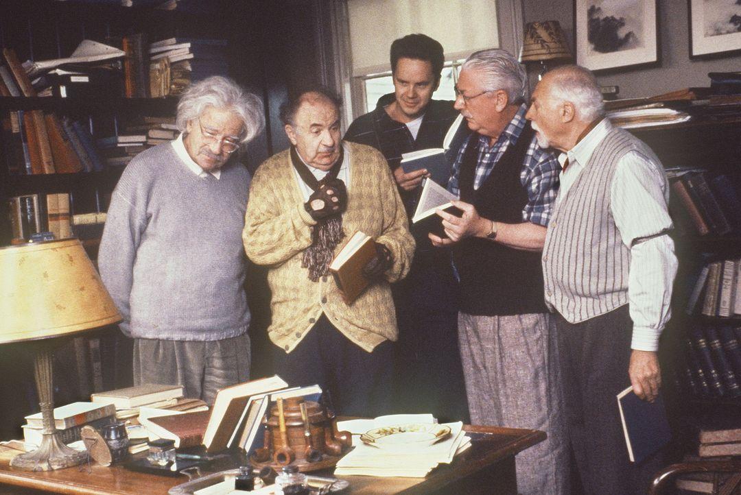 Unter der kreativen Mithilfe seiner drei besten Freunde, verwandelt Albert (Walter Matthau, l.) den verliebten Ed (Tim Robbins, M.) in einen Physik-... - Bildquelle: Paramount Pictures