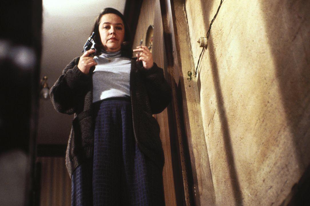 Die einsame Annie (Kathy Bates) ist überglücklich, ihren absoluten Lieblingsschriftsteller in ihrem Haus zu haben - so glücklich, dass sie ihn nicht... - Bildquelle: Castle Rock Entertainment