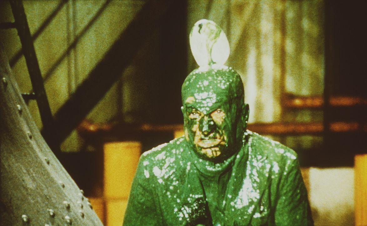 Auf dem Weg zur Hochzeit seiner Tochter gerät Pivert (Louis de Funès) in allerlei Turbulenzen ... - Bildquelle: 20th Century Fox Film Corporation