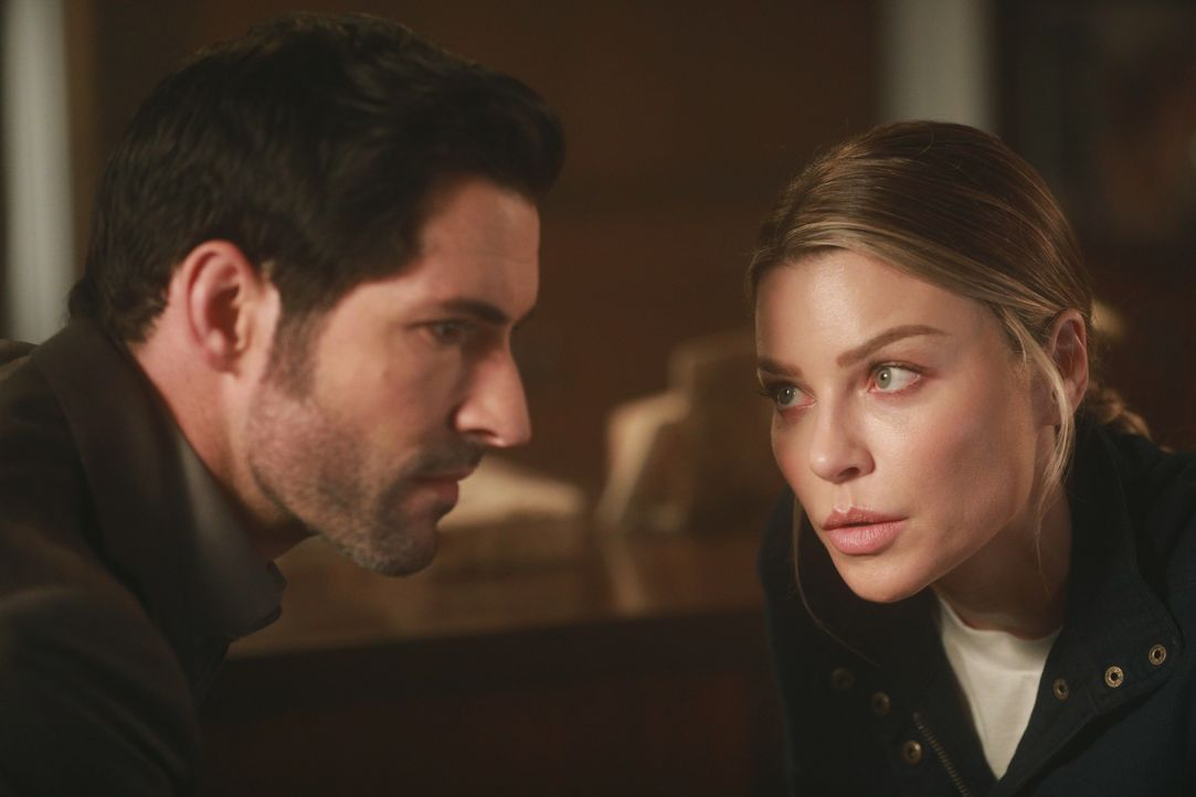 Lucifer (Tom Ellis, l.); Chloe (Lauren German, r.) - Bildquelle: Jordin Althaus 2017 Fox Broadcasting Co. / Jordin Althaus
