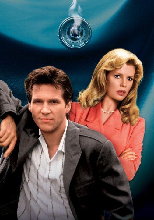 Nadine (Kim Basinger, r.) und Vernon (Jeff Bridges, l.) stehen kurz vor der Scheidung. Doch als Nadine Zeugin eines Mordes wird, müssen die beiden z... - Bildquelle: CPT Holdings, Inc. All Rights Reserved.