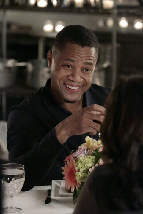 Stürzt sich Hals über Kopf in die Beziehung zu Jo: Isaac (Cuba Gooding Jr.) ... - Bildquelle: Warner Bros. Television