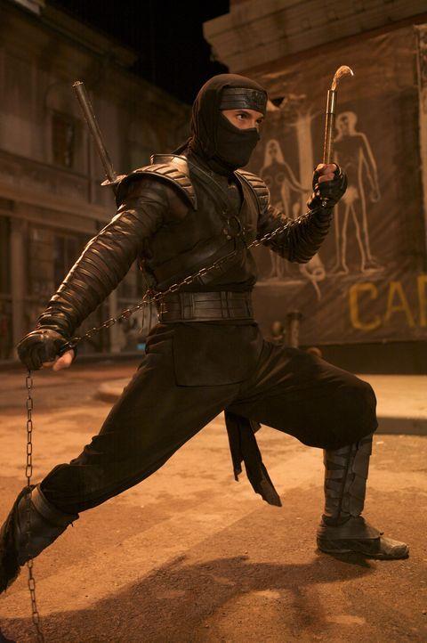 Muss es mit einer ganzen Armee skrupelloser Killer aufnehmen: der in der Ninja-Kampfkunst ausgebildete Casey (Scott Adkins) ... - Bildquelle: Nu Image