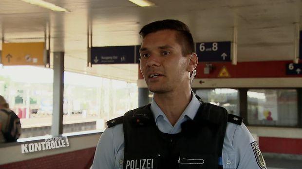 Achtung Kontrolle - Achtung Kontrolle! - Thema U. A.: Gefälschter Pass! Polizeikontrolle Paris-frankfurt