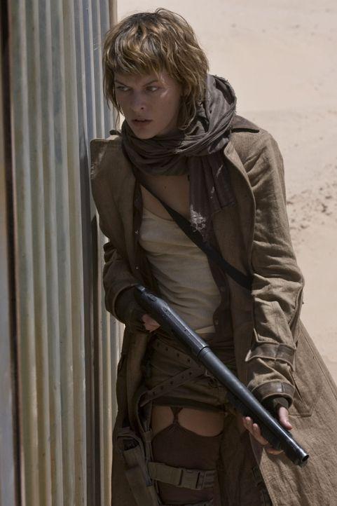 Der Kampf gegen die Mutanten fordert ihr alles ab: Ein Aufgeben kommt für Alice (Milla Jovovich) dennoch nicht in Frage ... - Bildquelle: Constantin Film