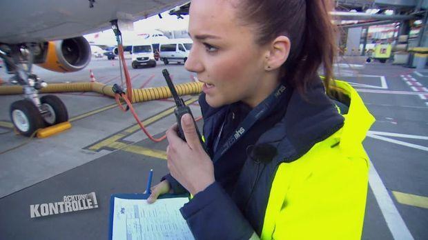 Achtung Kontrolle - Achtung Kontrolle! - Thema U.a.: Enormer Zeitdruck Für Rampagentin - Flughafen Hamburg