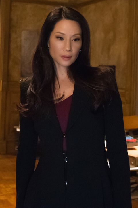 Andrew fragt Watson (Lucy Liu), ob sie seinen Vater kennenlernen möchte. Wie wird sich das auf ihre Beziehung auswirken? - Bildquelle: CBS Television
