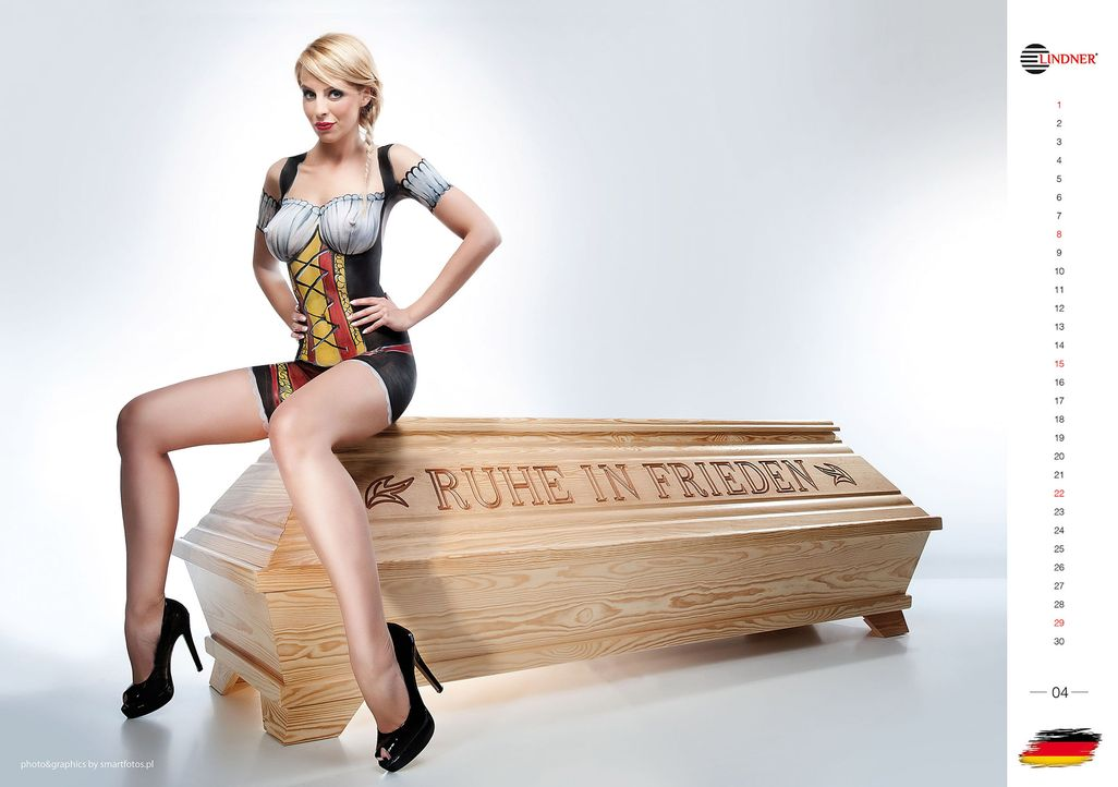 Controversial-Coffin-Calender-Girls-11-10-24-WENN-com - Bildquelle: WENN.com