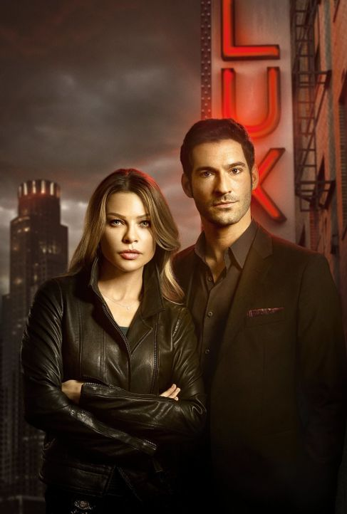 (1. Staffel) - Die Polizistin Chloe Decker (Lauren German, l.) lässt sich auf die Zusammenarbeit mit Lucifer Morningstar (Tom Ellis, r.) ein. Nicht... - Bildquelle: 2016 Warner Brothers