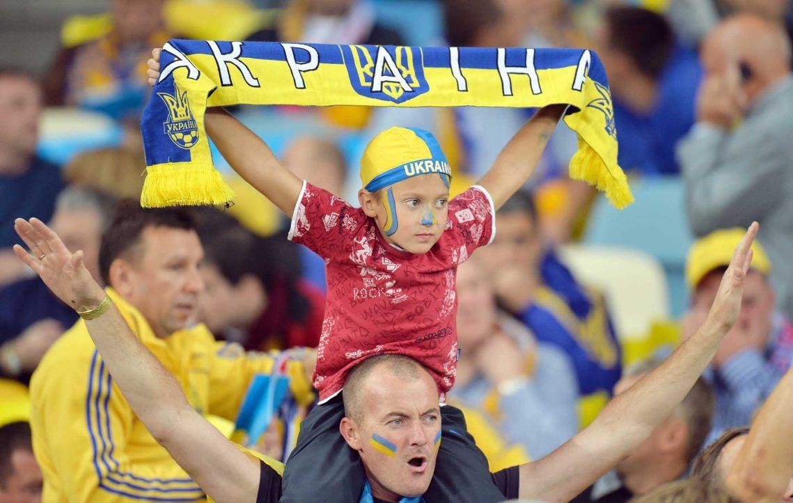 Fußball-Fan-Ukraine-120614-2-AFP - Bildquelle: AFP