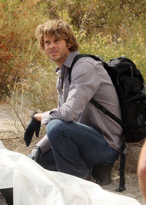 Bei den Ermittlungen in der mexikanischen Wüste: Deeks (Eric Christian Olsen) ... - Bildquelle: CBS Studios Inc. All Rights Reserved.
