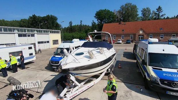 Achtung Kontrolle - Achtung Kontrolle! - Thema U.a: Sportboot Mit übergewicht