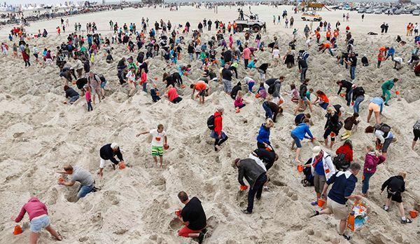Wieviele Sandburgen - Bildquelle: kabel eins/  Morris Mac
