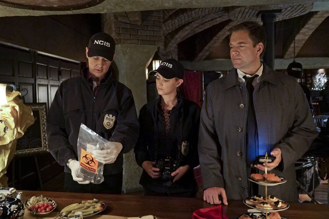 Versuchen herauszufinden, ob Abbys Bruder Luca, wirklich etwas mit dem aktuellen Fall zu tun hat: Tony (Michael Weatherly, r.), McGee (Sean Murray,... - Bildquelle: Bill Inoshita 2015 CBS Broadcasting, Inc. All Rights Reserved