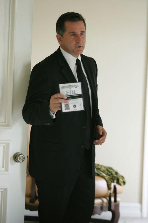 Jack Malone (Anthony LaPaglia) nimmt die Ermittlungen auf ... - Bildquelle: Warner Bros. Entertainment Inc.