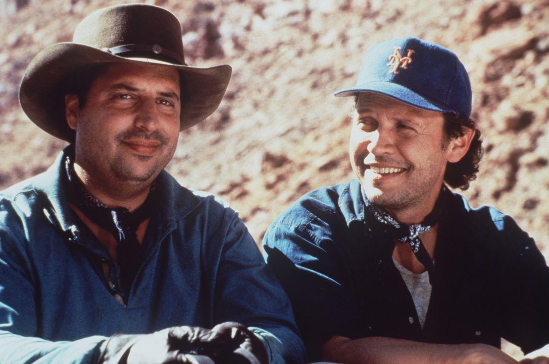 Und wieder haben die Brüder Glen (Jon Lovitz, l.) und Mitch (Billy Crystal, r.) ein Abenteuer im Wilden Westen überstanden ... - Bildquelle: Warner Bros.